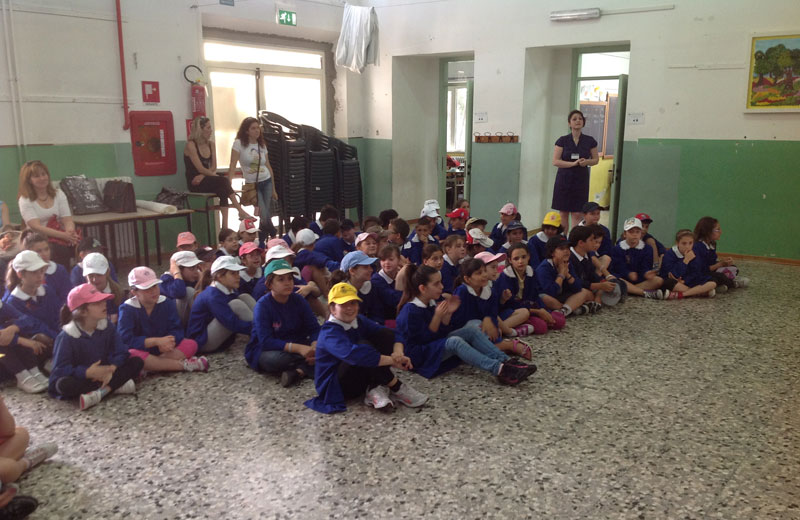 Gli alunni della scuola elementare di Martinsicuro