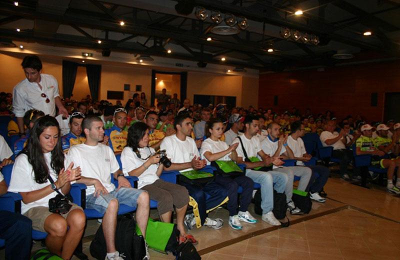 Atleti del Girobio alla presentazione dell'evento in Provincia