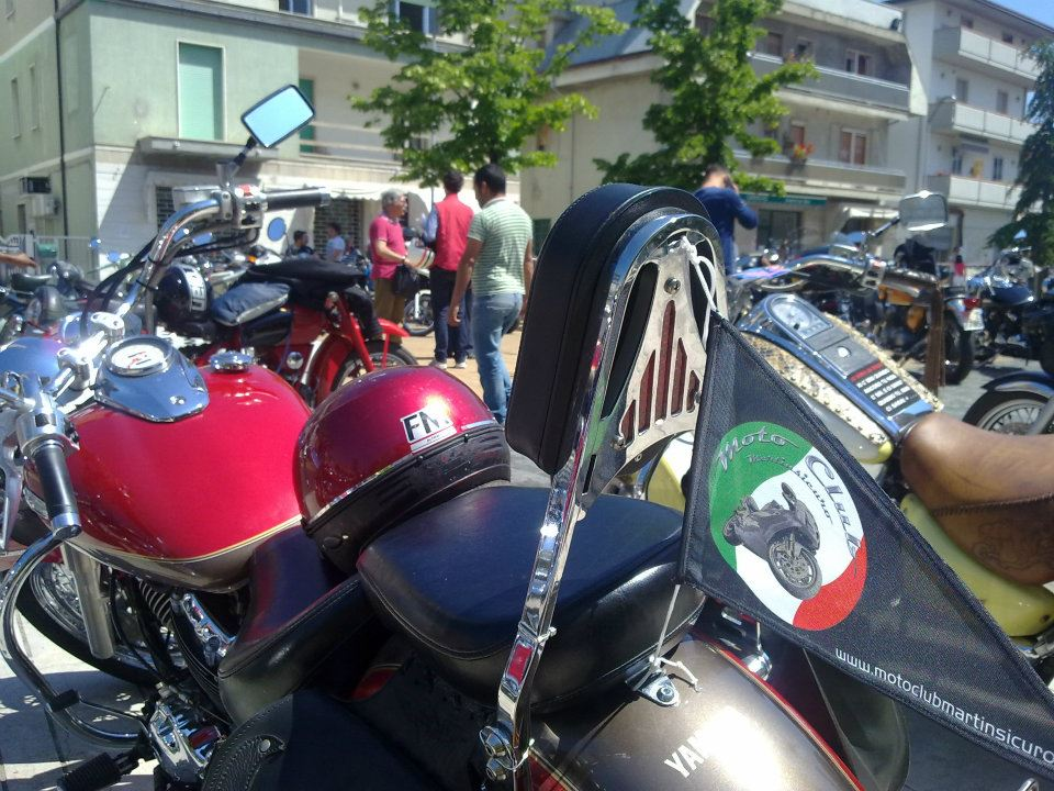 Alcune delle tante moto che hanno partecipato al MartINmoto