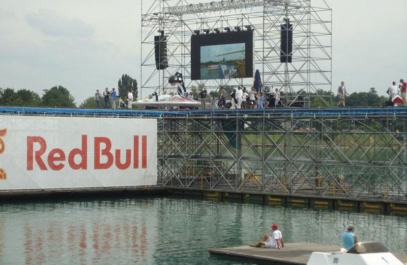 L'Orca Space al Red Bull Flugtag 2012