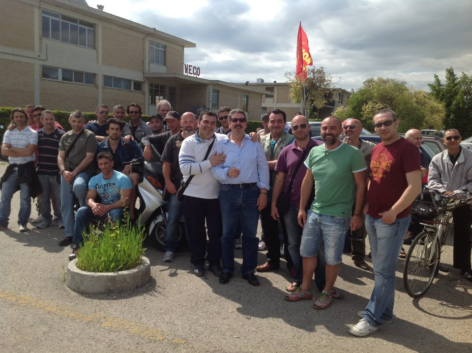 I lavoratori Veco durante la prima giornata di sciopero.