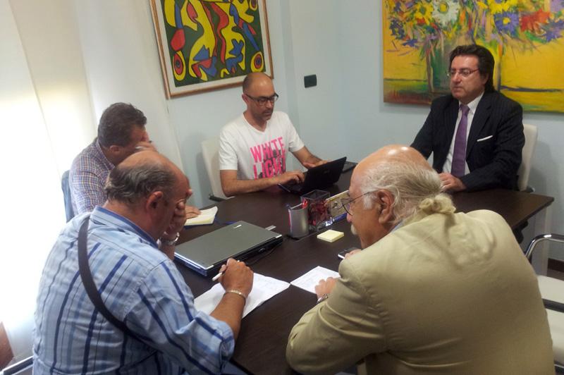 Lo studio dell'avvocato Gaetani durante la conferenza stampa
