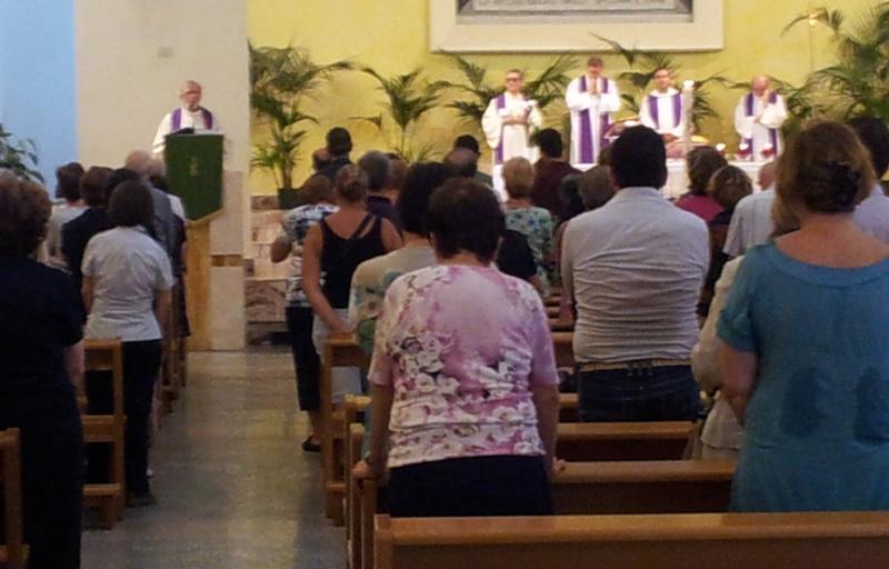 Un momento della cerimonia funebre presso la chiesa dei  Padri Sacramenti