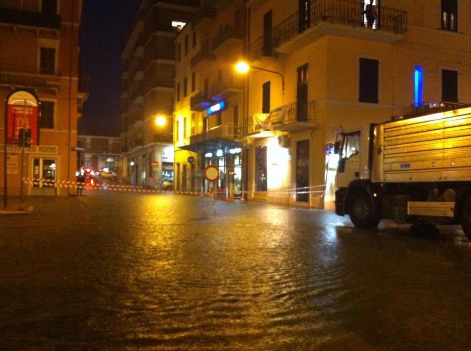 Via Roma allagata (foto di frame75)