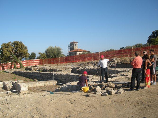 Il parco_archeologico di Cupra Marittima ed i lavori_in_corso_nell'ottobre_2011