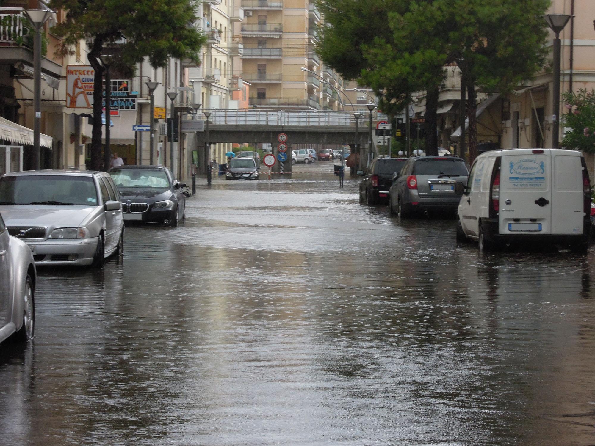 Luglio 2012, via Trento allagata 6