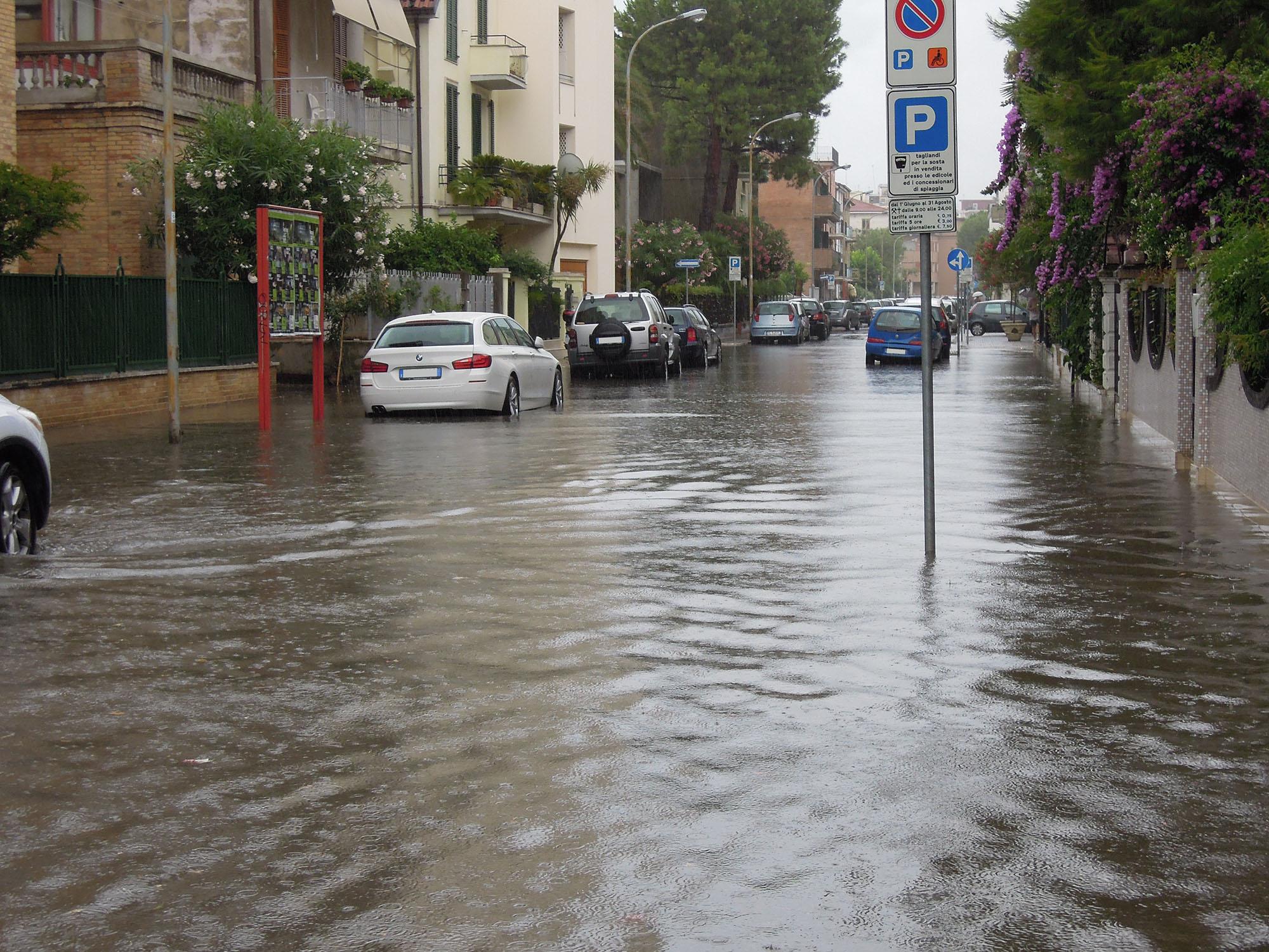 Via Trento allagata, luglio 2012 4 (fulvio baiocchi) 6