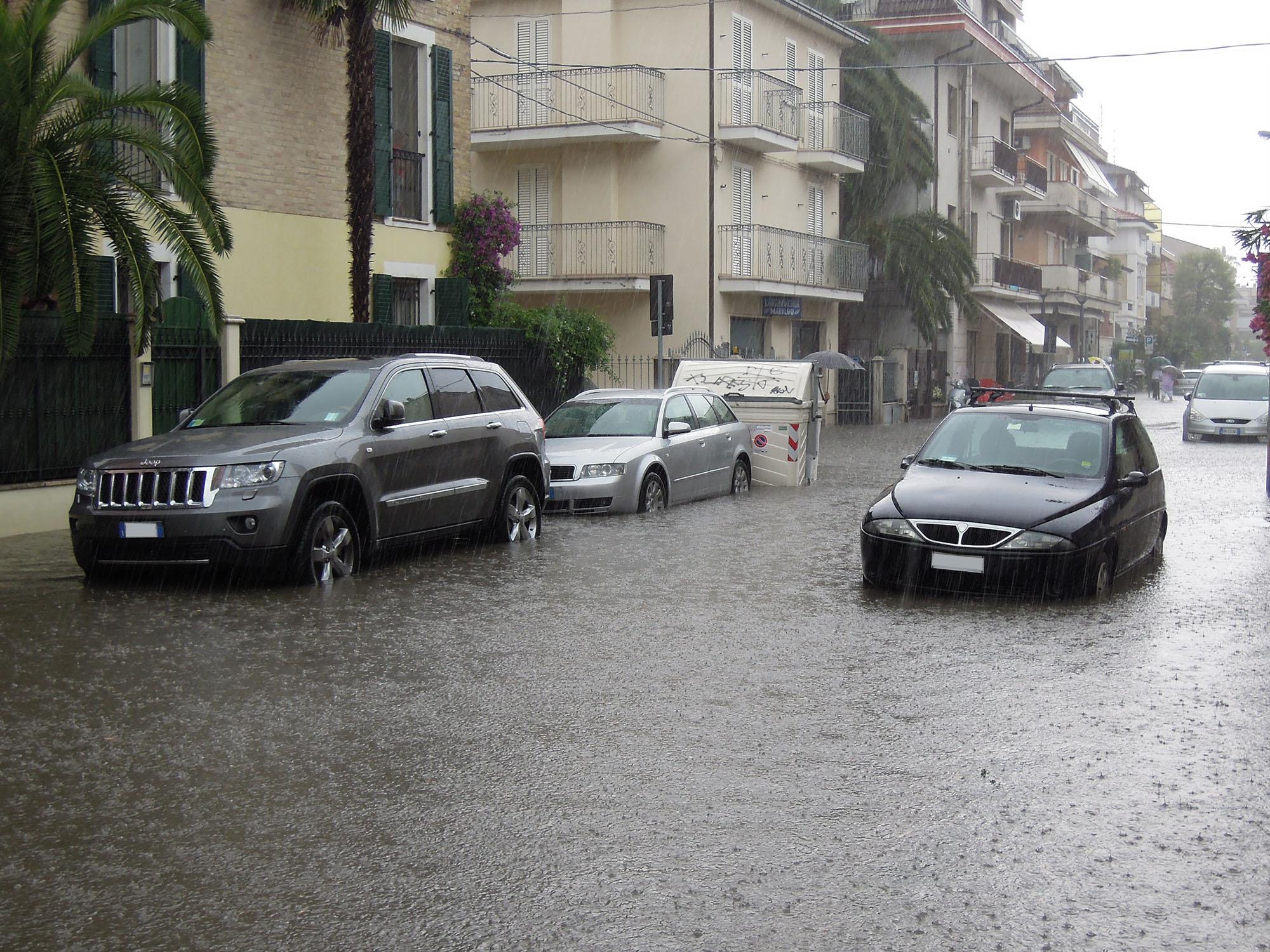 Via Trento allagata, luglio 2012 4 (fulvio baiocchi) 7