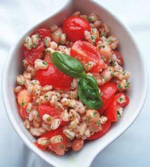 Riviera Oggi InCucina presenta una bella insalata di farro, fresca e nutriente