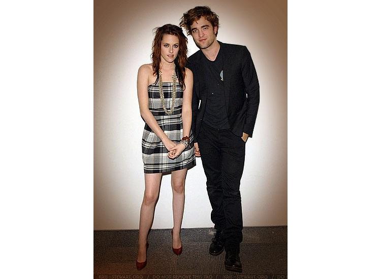French Connection veste Kristen Stewart e vi aspetta da Gf Settantotto