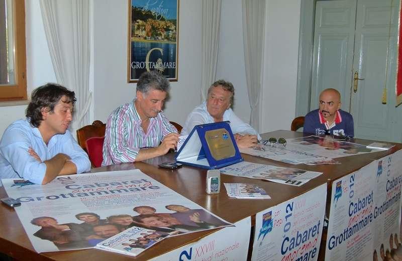 Cabaret Amoremio! 2012. Da sinistra Enrico Piergallini, Luigi Merli, Enzo Iacchetti e Giorgio Centamore