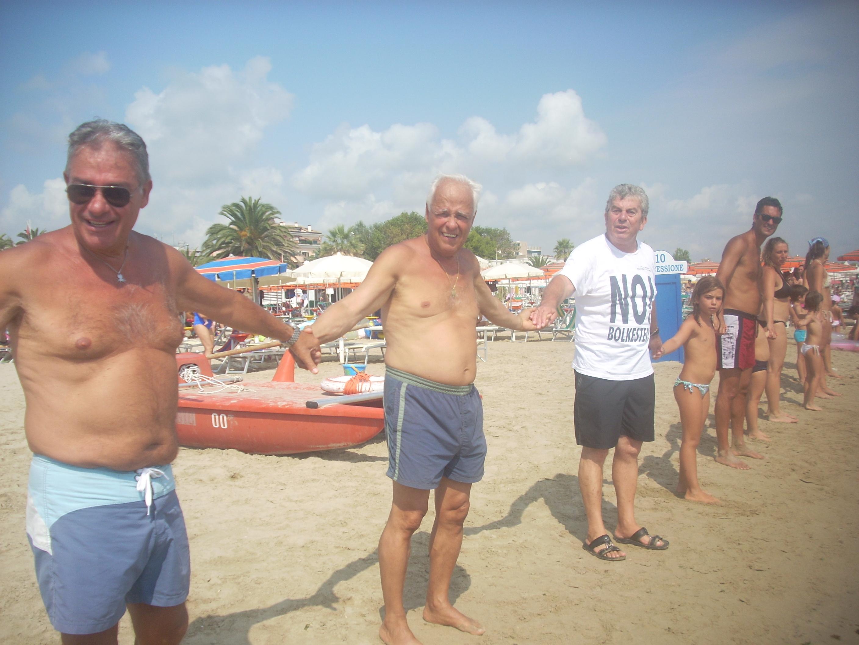 La catena in spiaggia