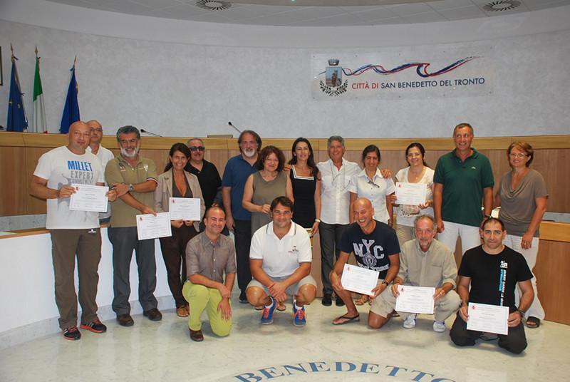 I dipendenti comunali diplomati per l'uso del defibrillatore