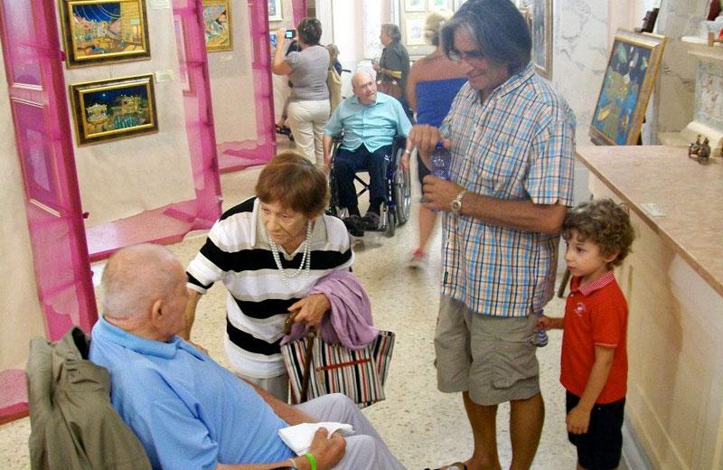 Gli anziani della casa di riposo