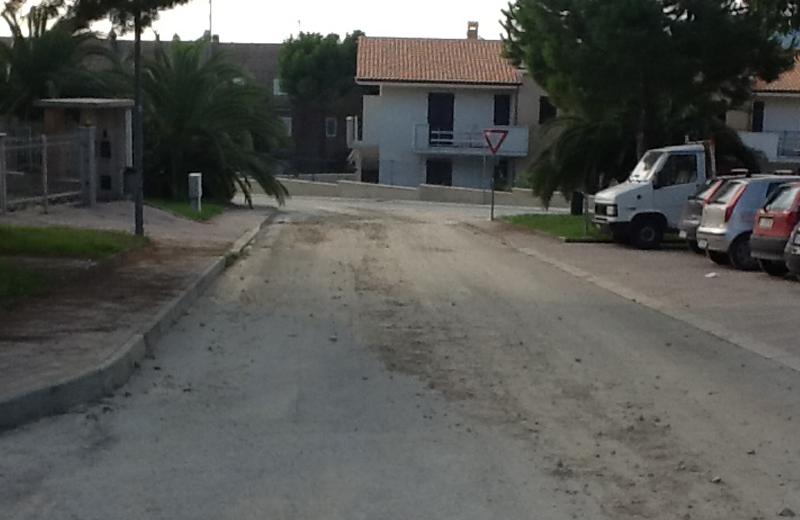 Contrada Montecretaccio ancora infangata, 18 settembre (2)
