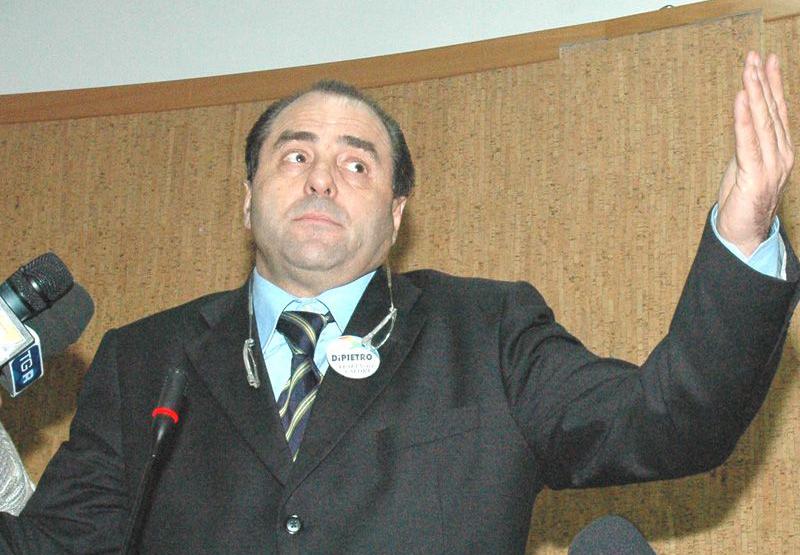 Antonio Di Pietro nella sala comunale del comune di San Benedetto del Tronto