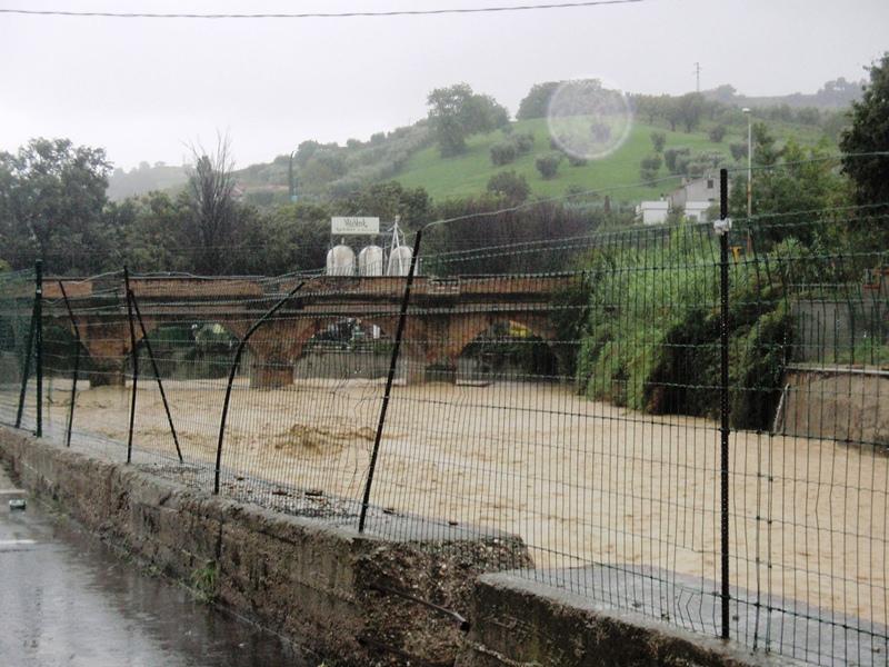 Forte pioggia e allagamenti su San Benedetto del Tronto 14 settembre 2012  (11)