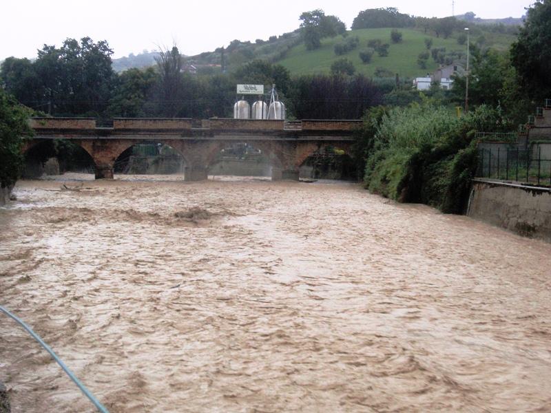 Forte pioggia e allagamenti su San Benedetto del Tronto 14 settembre 2012  (14)