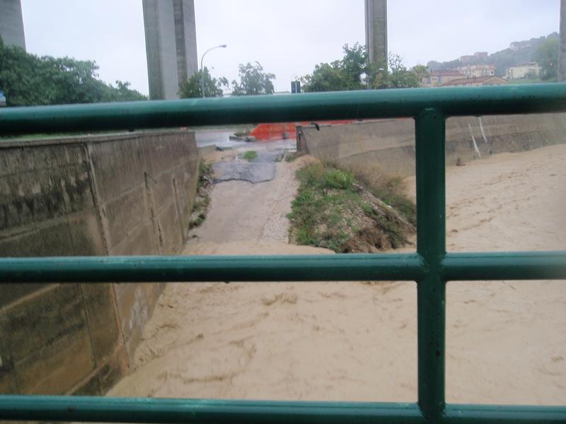 Forte pioggia e allagamenti su San Benedetto del Tronto 14 settembre 2012  (4)