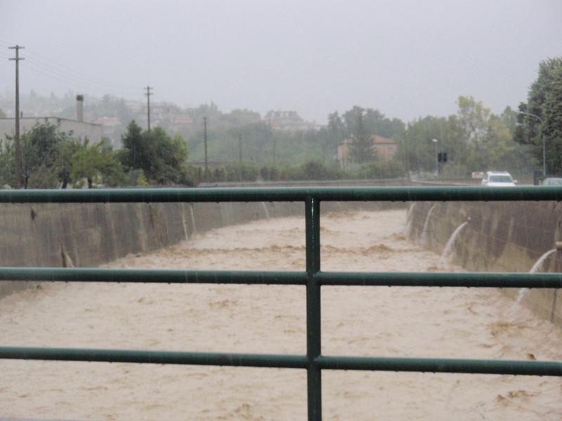 Forte pioggia e allagamenti su San Benedetto del Tronto 14 settembre 2012  (5)