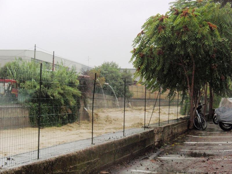 Forte pioggia e allagamenti su San Benedetto del Tronto 14 settembre 2012  (7)