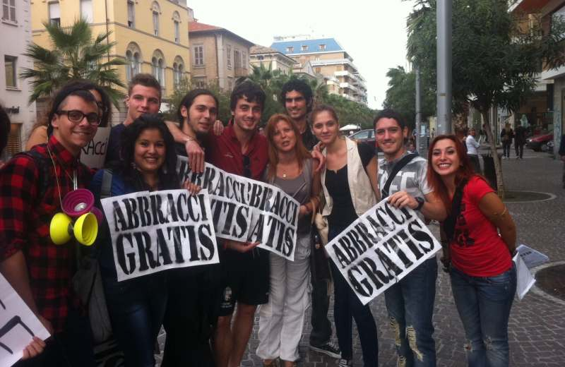 Free Hugs a San Benedetto