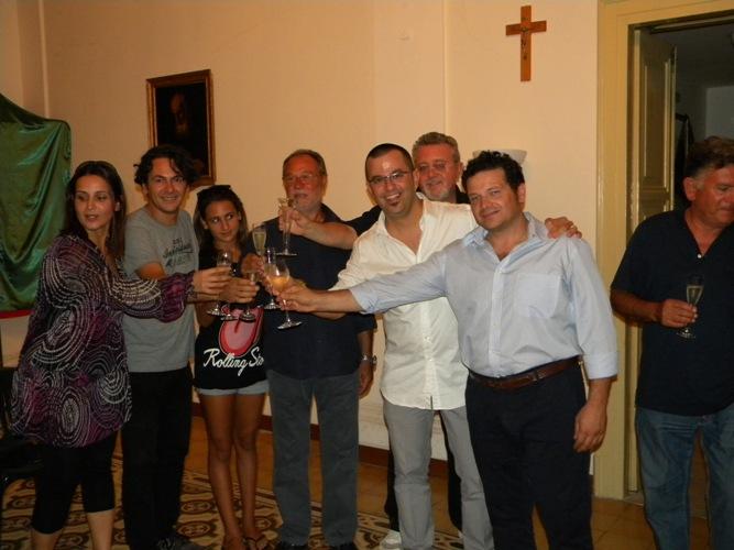 Il brindisi della vittoria a Lignano Sabbiadoro