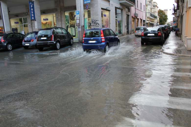 Incrocio via Roma-via S. Martino (foto di Antonio I)