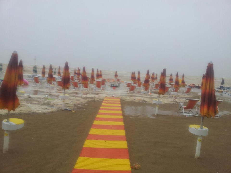 Mareggiata del 14 settembre 2012 a San Benedetto, concessione 77 (corrado carpani)