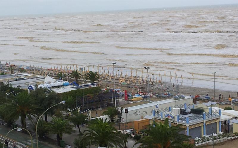 Mareggiata storica il 14 settembre a San Benedetto (foto Poloni)