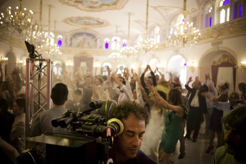 Matteo Garrone durante le riprese di Reality