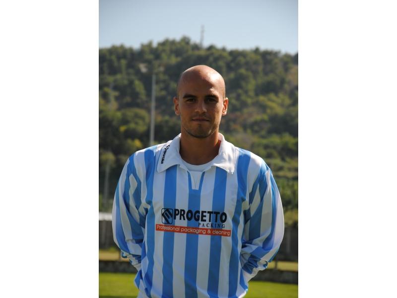 il difensore del Grottammare Mirko Silvestri