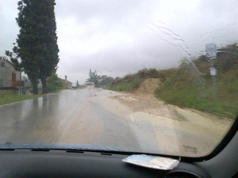 Strada Valtesino Grottammare 14 settembre 2012 2 foto di Annalisa Cameli  (1)