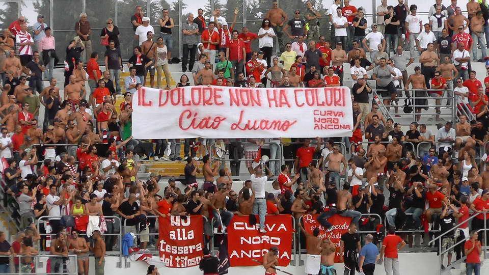 Striscione tifosi Ancona dedicato a Luano (dalla pagina Facebook  Ultras Samb Web Site)