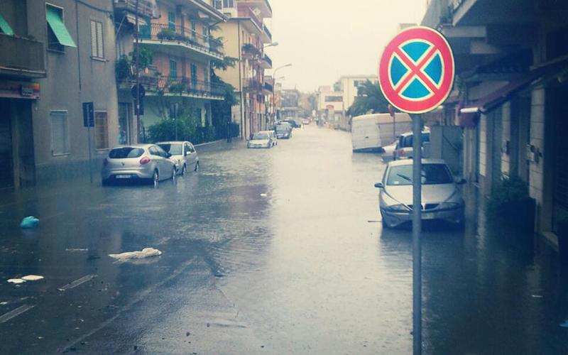 Via Toti sommersa dall'acqua, 14 settembre 2012 (Francesco A.)