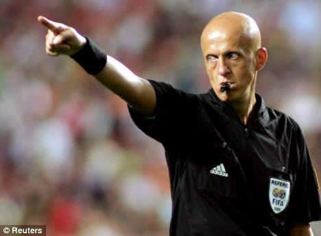 L'ex arbitro Pierluigi Collina