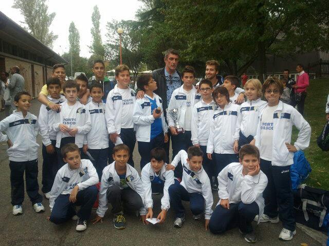 Gli Esordienti 2001 del Porto d'Ascoli con Gianluca Pagliuca