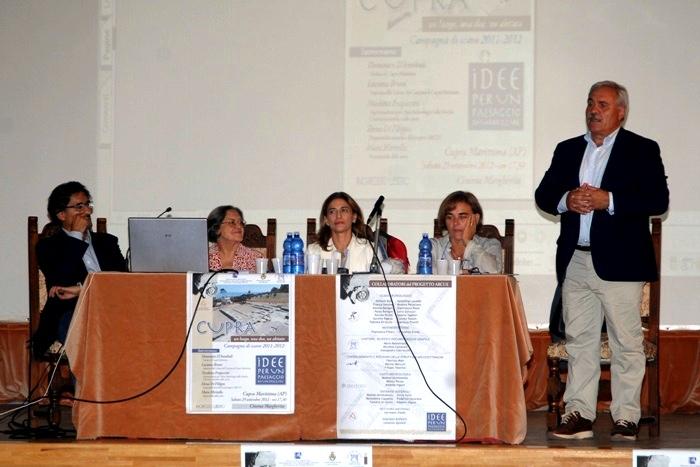 Assessore Luciano Bruni, dottoressa De Filippo, Nicoletta Frapiccini, Mara Miritello, il sindaco Domenico D'Annibali
