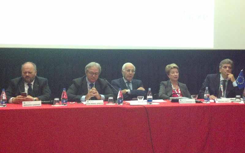 Da sinistra Gaspari, Spacca, Vari, Scenghelija, Celi