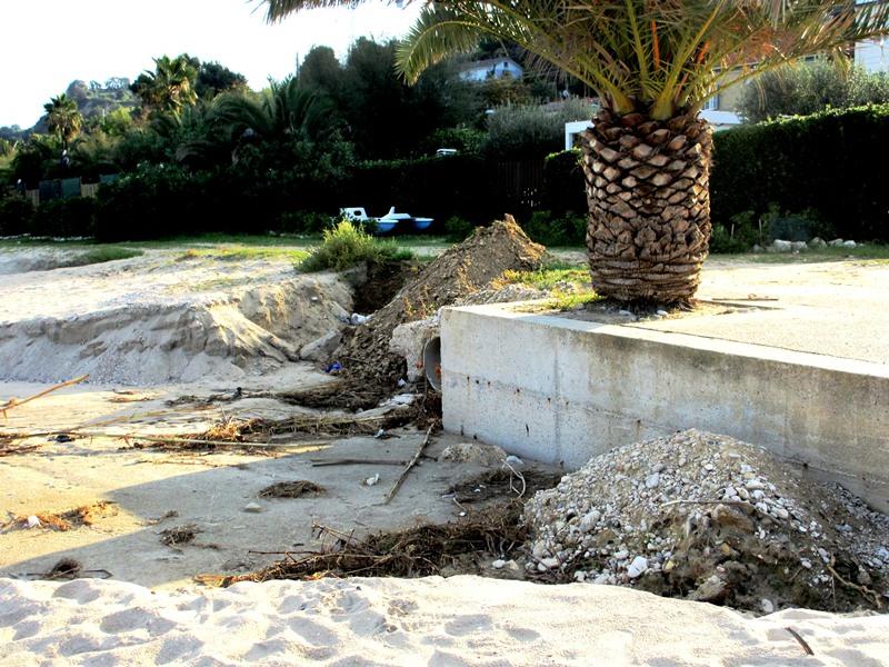 Spiaggia fronte Cata Marà e hotel la Perla  (3)