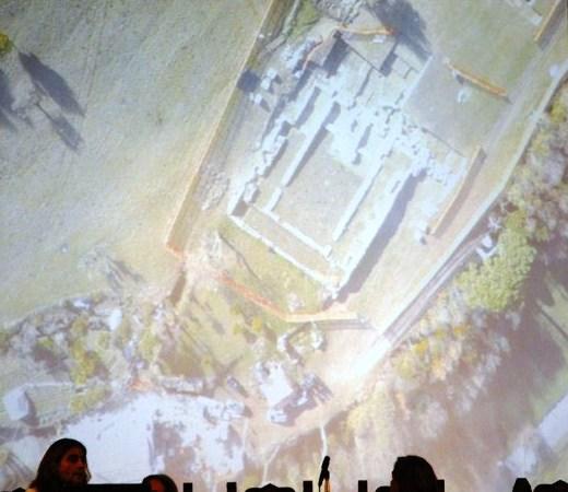 una frazione degli scavi dove si evidenzia un'abside emersa dai lavori
