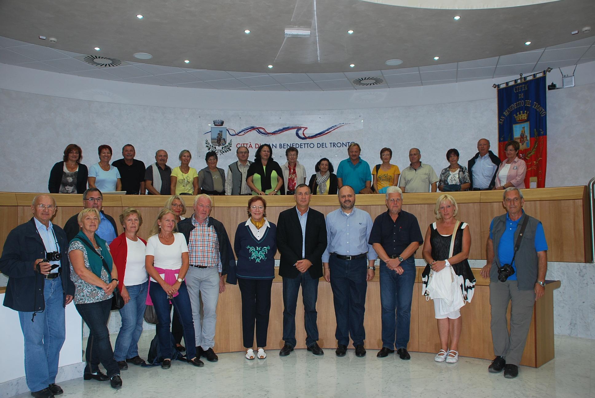 Il gruppo di austriaci all'interno del comune