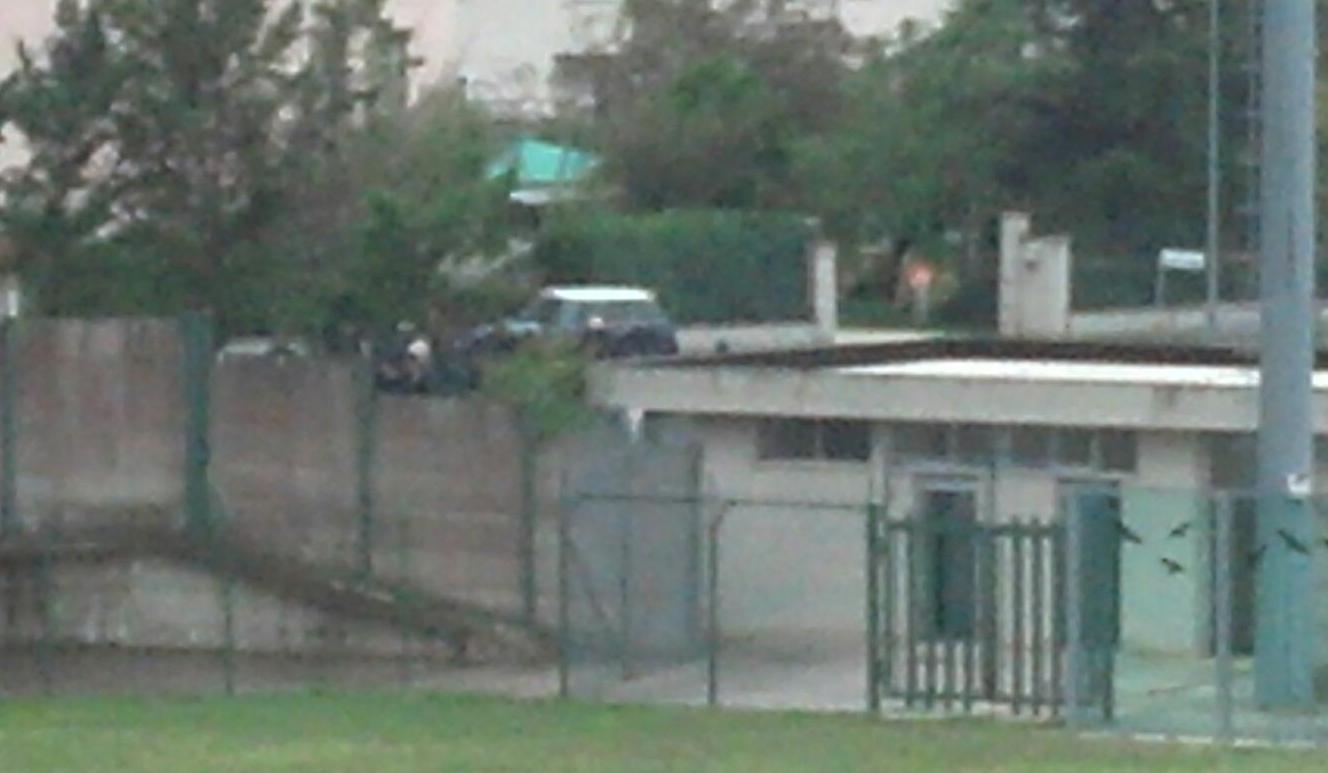 Tifosi anconetani fuori dallo stadio Luzi di Gualdo Tadino