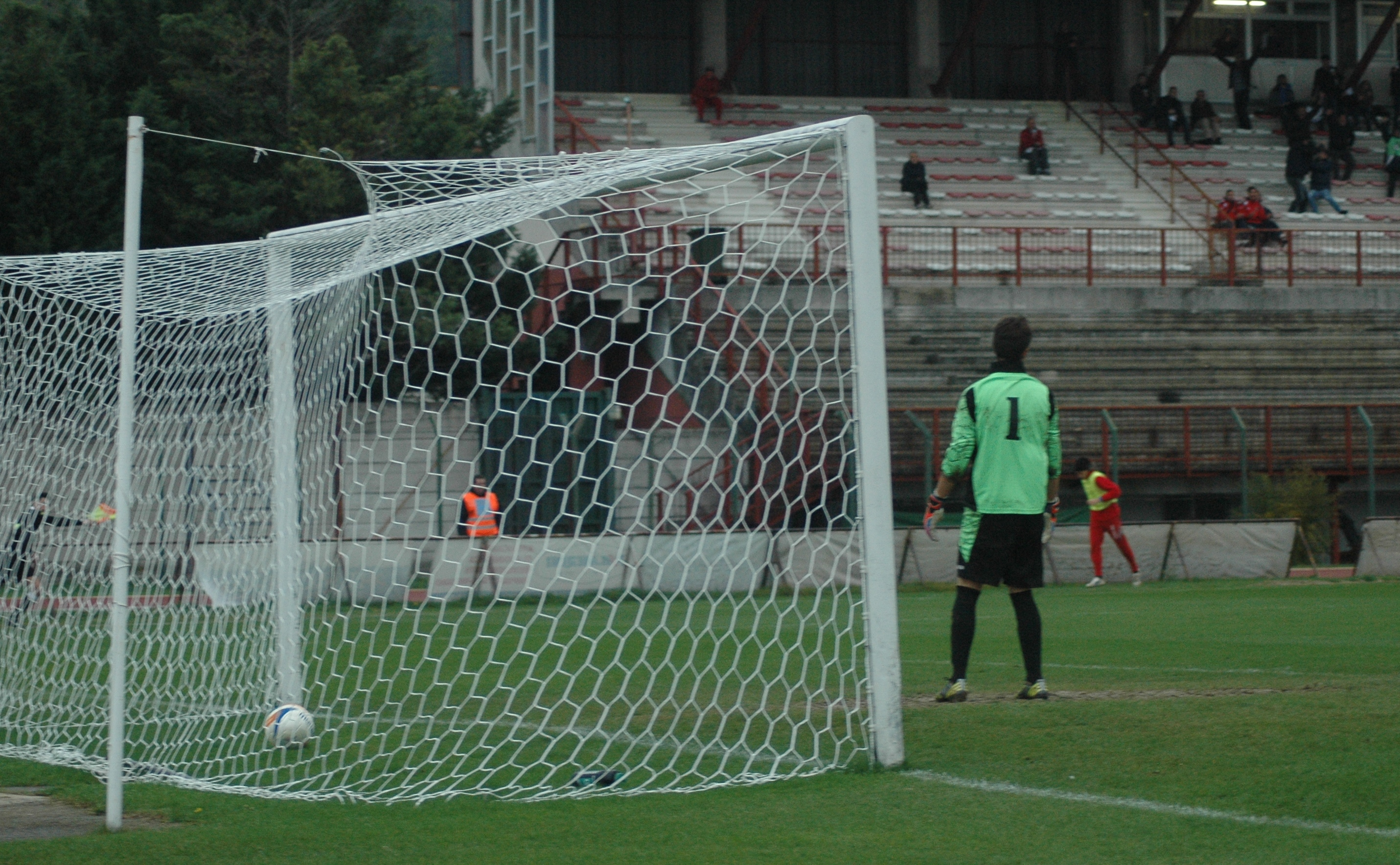 Samb-Ancona, la palla è in rete, gol di Napolano 2 a 1 (GIAMMUSSO)