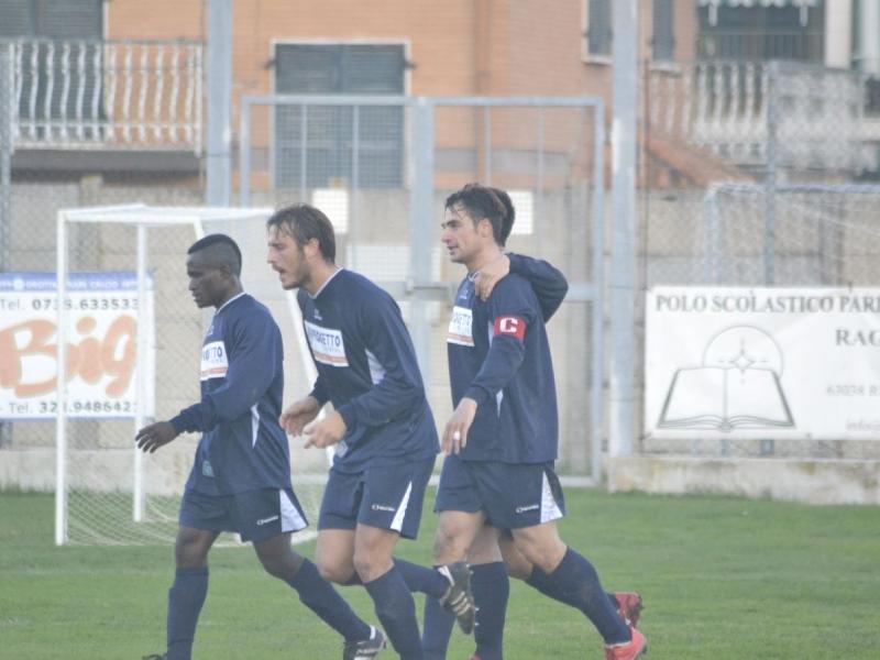 Dario Ludovisi (nella foto con la fascia di capitano)