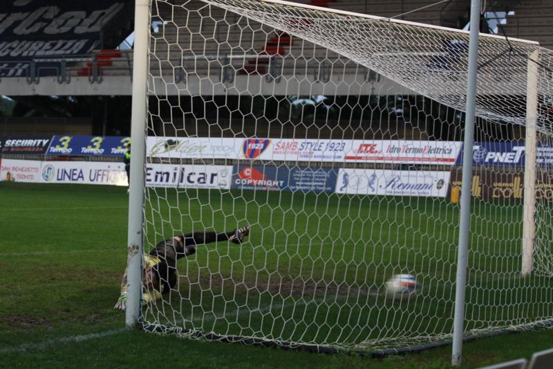 Samb-Civitanovese (4-0), Napolano va a segno(Foto Bianchini)