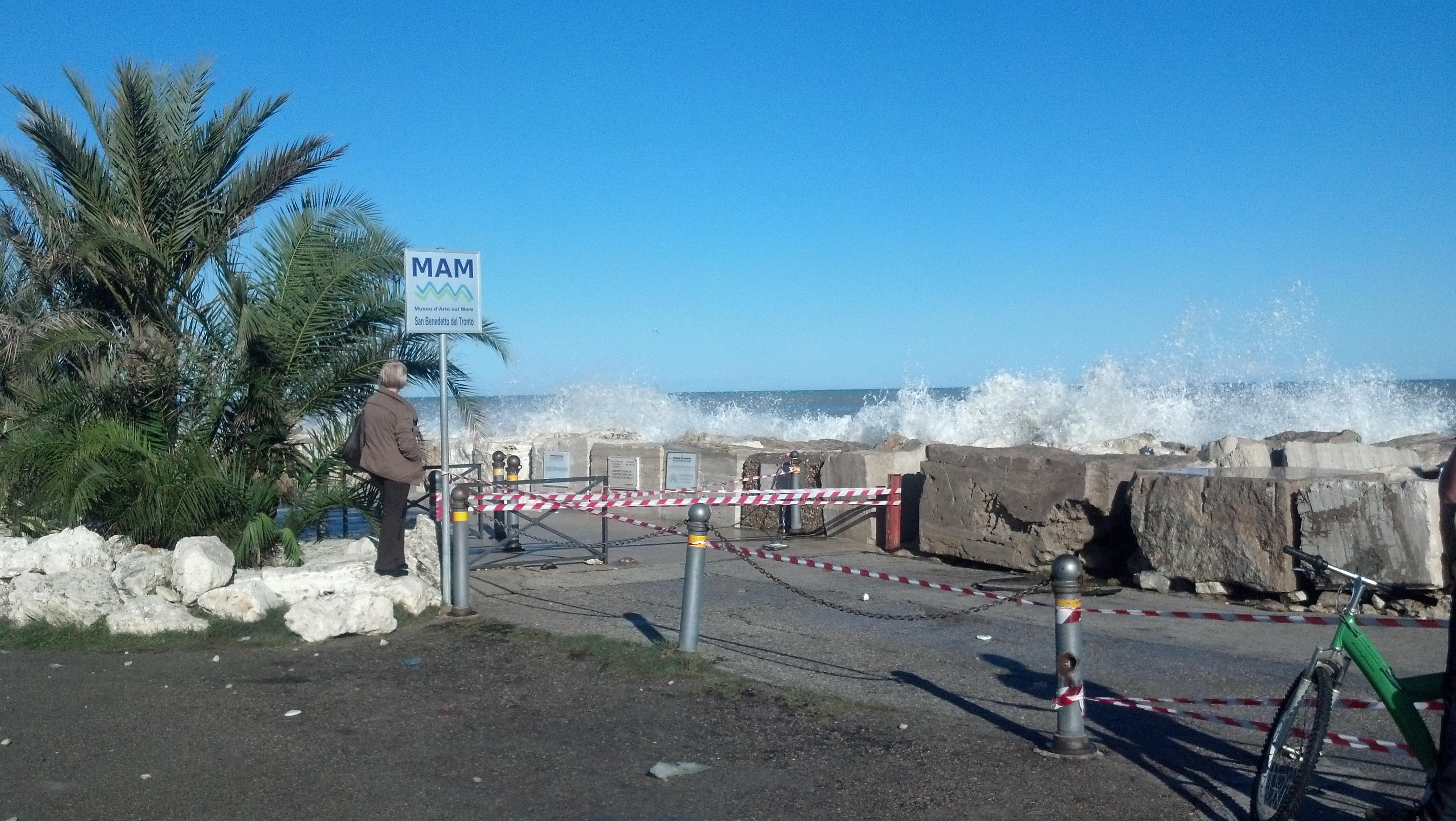 Molo Sud, mareggiata del 1° novembre 2012