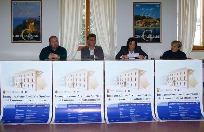 Presentazione Archivio di Grottammare. Da sinistra Andrea Antonini, Luigi Merli, Enrico Piergallini e Fiorella Fiore