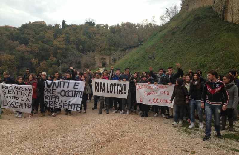 Protesta dei ragazzi del Mercantini di Ripatransone (2)