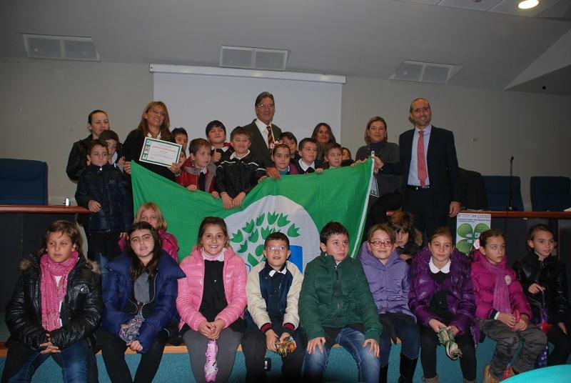settimana dei rifiuti - la consegna delle bandiere verdi agli studenti